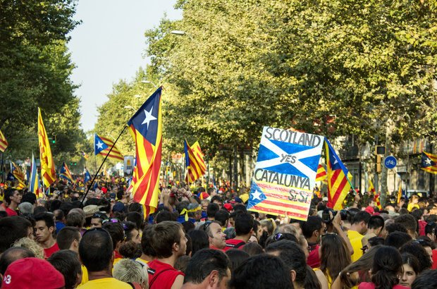 Manifestação pró-referendo na Catalunha. Crédito: ONiONAstudio / Shutterstock
