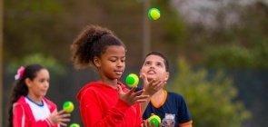 Leitura para os pequenos, Educação Física e Amazônia: as novidades do Nova Escola Box desta semana
