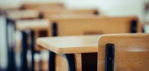 Abandono e evasão escolar: aluno deixa a escola ou a escola se distancia da realidade do aluno?