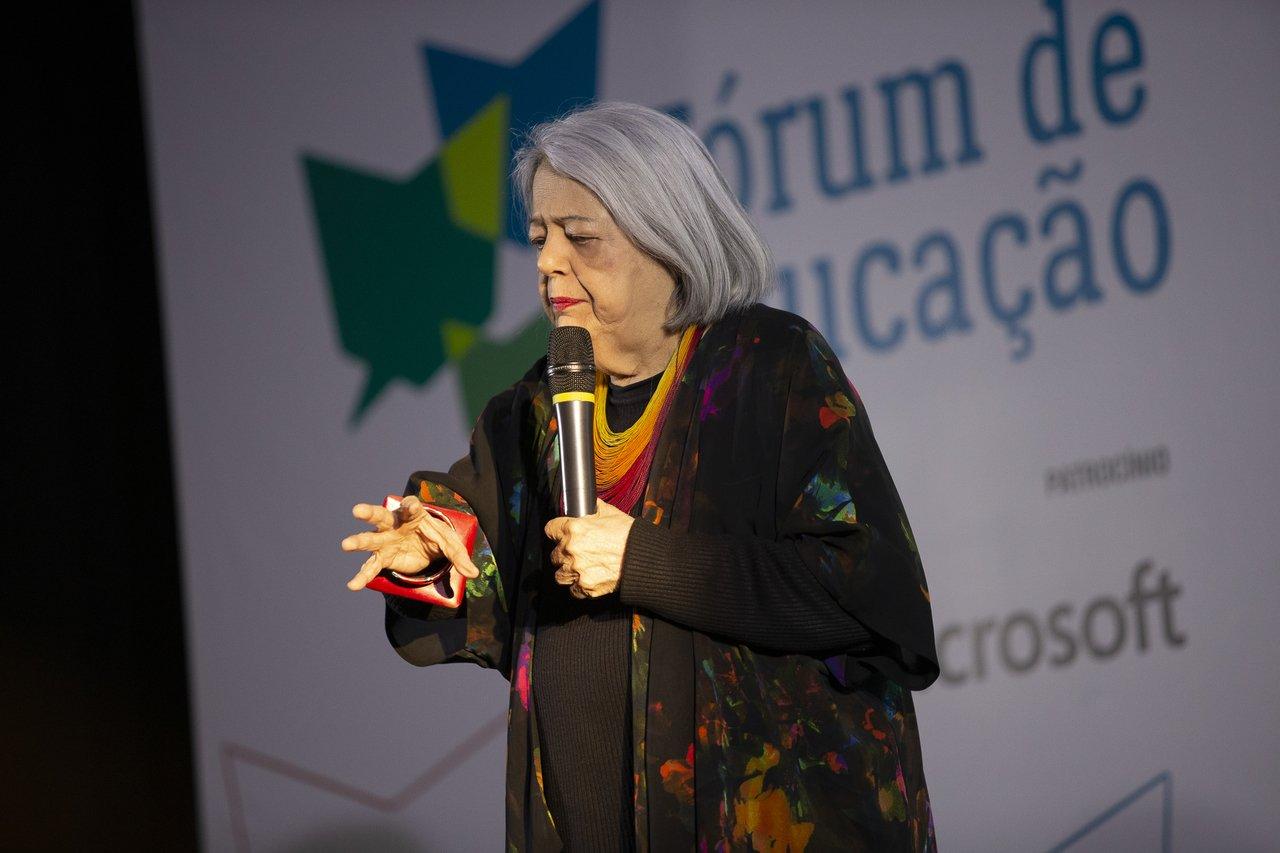 A professora de Arte Ana Mae Barbosa durante a Bienal do Livro do Rio de Janeiro