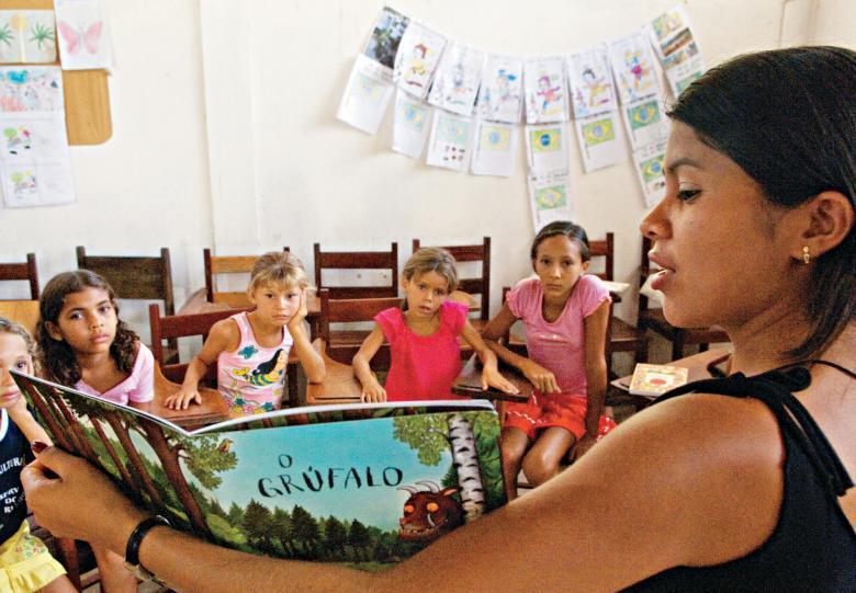 Sessão de leitura em Barreirinhas, MA: 1451 livros para 1483 crianças de quatro escolas. Foto: Rayssa Ashkar Petrilo/Projeto Vaga Lume
