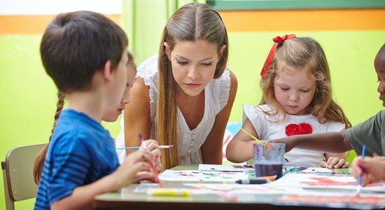 Numa escola que não para no mês de julho, propus aos gestores e aos funcionários que elaborássemos uma programa com atividades diferenciadas da rotina normal (Foto: Shutterstock/Robert Kneschke)