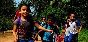 Novos caminhos para enfrentar a violência conta a criança e adolescente