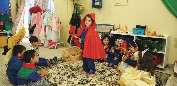 Aluna da pré-escola representado o Chapeuzinho Vermelho. Foto: Marcos Rosa