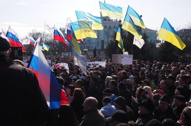 Manifestações na Crimeia. Crédito: Igor Golovniov / Shutterstock