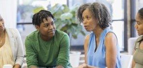 Câmara aprova projeto para ter psicólogos e assistentes sociais em escolas do Ensino Básico