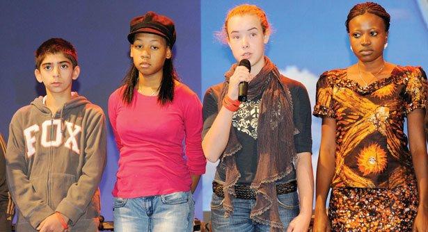 PROTAGONISTAS Jovens sobem ao palco do evento para relatar sua experiência de vida. Foto: Kim Naylor