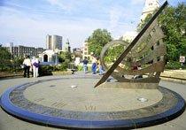 Relógio de Sol em Londres. Foto: Valdemir Cunha