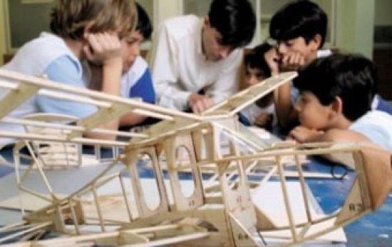 Prazer em descobrir: modelos de aviões para conhecer como eles voam. Foto: Marcelo Min