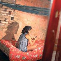 Entre a casa dos pais e a da tia, Maria não obteve vaga em Teresina após ser transferida. A escola queria que ela fosse para a EJA e a família não aceitou. Foto: Benonias Cardoso