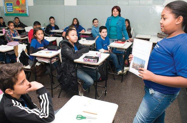 Os alunos socializavam os trabalhos quando incorporavam novas definições ao dicionário. Roberto Chacur
