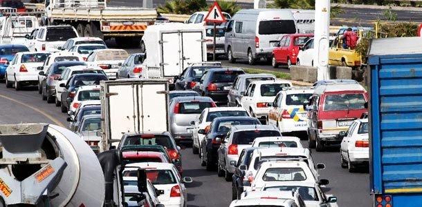 TRÂNSITO CAÓTICO A Cidade do Cabo, na África do Sul, enfrenta o tráfego intenso, um dos males da urbanização. Foto: Michael Hammond/Getty Images