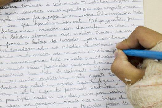 Uma sugestão para começar o ano com a turma que acaba de chegar ao 6º ano é propor uma situação de produção de texto.