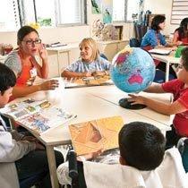 Na sala de aula ou no quarto, os pacientes continuam estudando. Foto: Marcelo Almeida