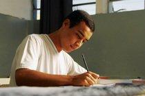 Maioria dos alunos quer trabalhar e estudar. Foto: Paulo Fridman/Getty Images