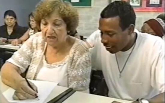 Como os adultos não-alfabetizados pensam a língua escrita