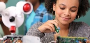 Escola e família reforçam desigualdades de gênero, apontam pesquisas
