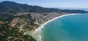 Praias do município de Governador Celso Ramos, em Santa Catarina