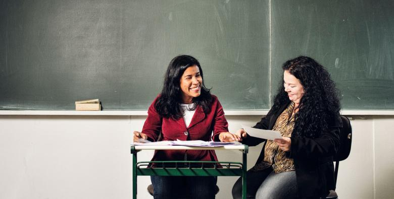 Professoras conversando