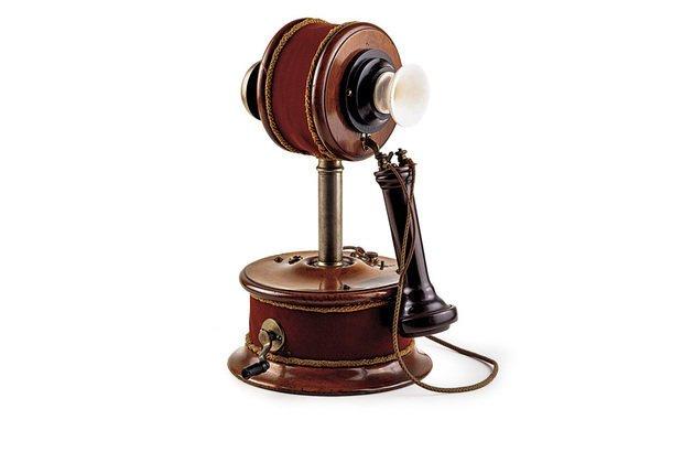O telefone era usado apenas na comunicação entre duas das residências imperiais. Acervo do Museu Imperial-Ibram/Minc