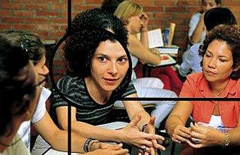 Estela em reunião no Bandeirantes, em São Paulo: os professores decidem os limites dentro da escola. Foto: Masao Goto Filho