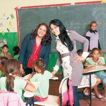 Maria Dilza (à esquerda) e Carla apostam em ações para aproximar os alunos dos livros. Foto: Jader Jaques