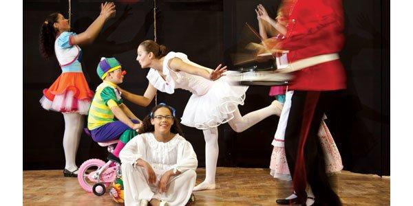 TEATRO INCLUSIVO Na EM Severino Travi, alunos ouvintes e surdos exibem-se em palcos de festivais e outras escolas. Foto: Tamires Kopp