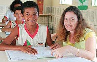 TUDO NA PRÁTICA Sandra, de Palmas, só juntou a carga das classes regulares com as de reforço, sem apoio extra. Foto: Gustavo Sá