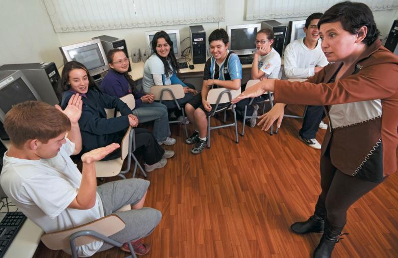 Pioneirismo: a tecnologia foi fundamental para desenvolver a capacidade de comunicação de alunos surdos na EEF Helen Keller, na cidade gaúcha de Caxias do Sul. Foto: Tamires Kopp