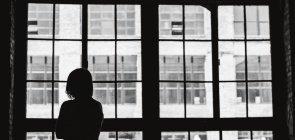 Será que nossas escolas são prisões para nós e nossos alunos?