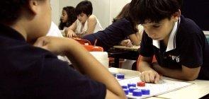 Para colocar em prática: jogos de tabuleiro que vão muito além da sua aula